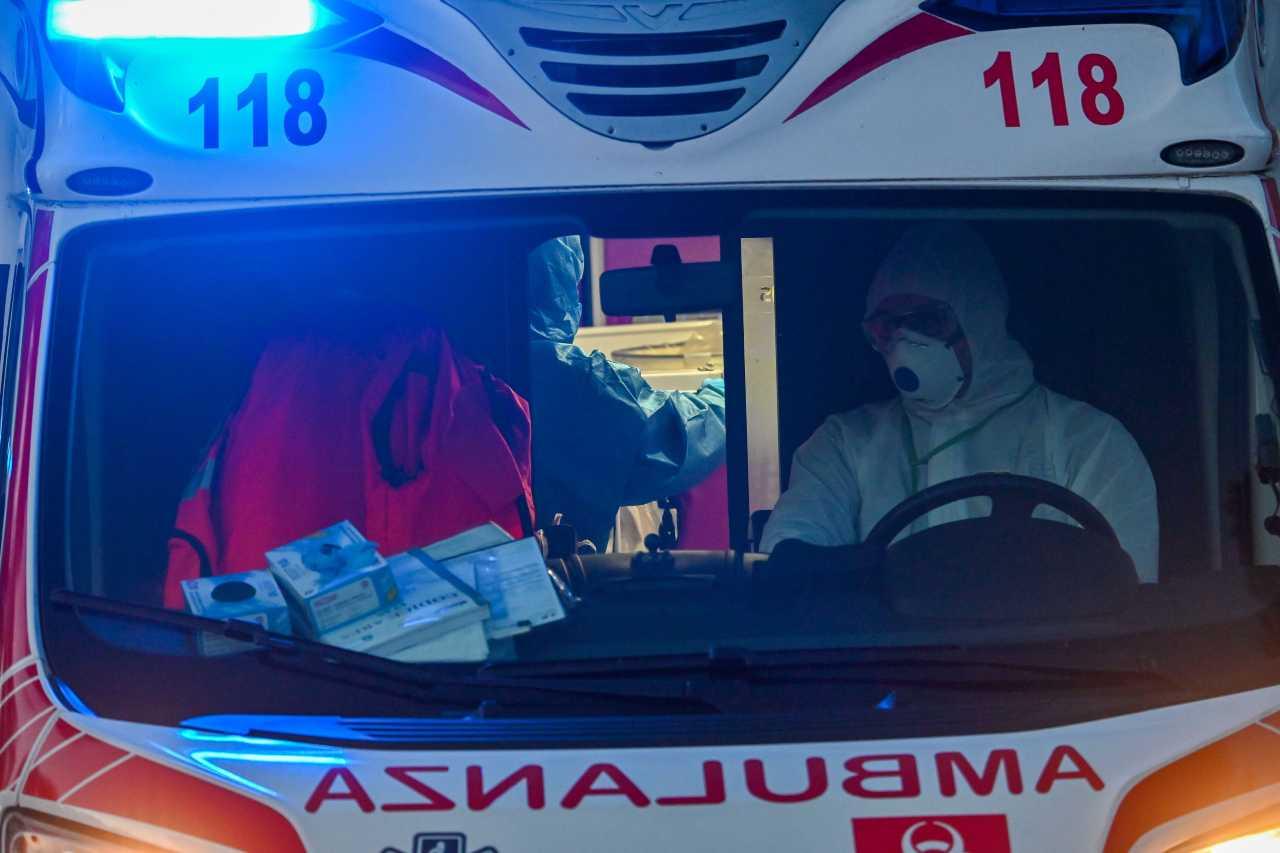 torino inseguono ambulanza