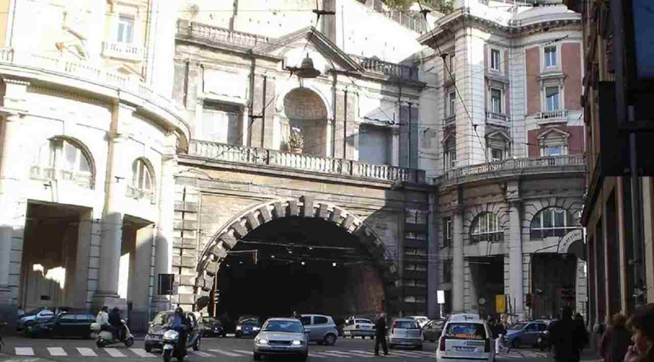 Napoli crollo