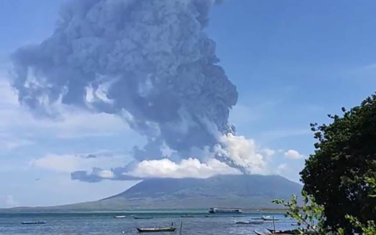 Vulcano Indonesia Mount Ili