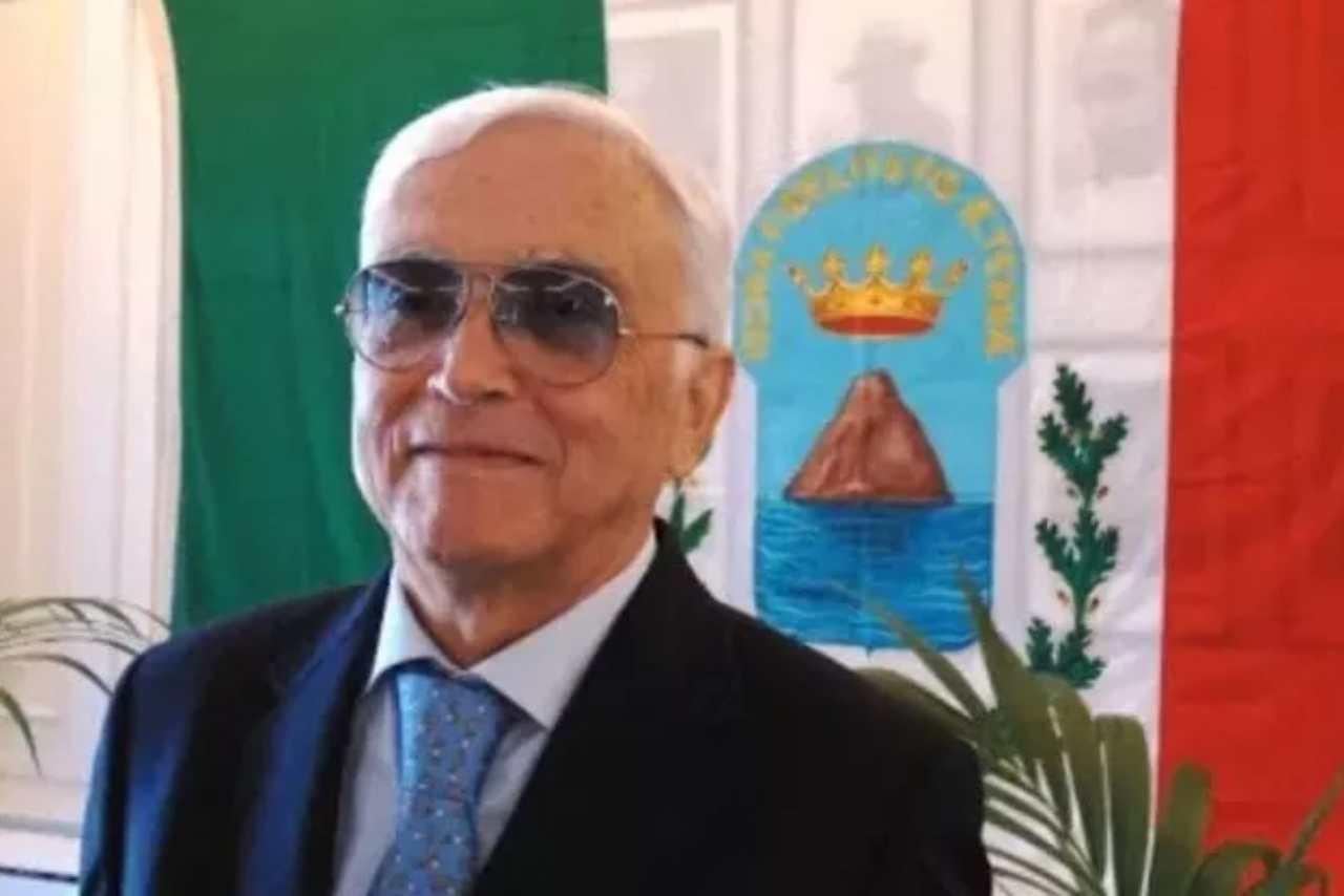 Ischia Morto sindaco