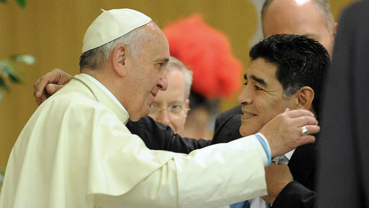 Papa e Maradona