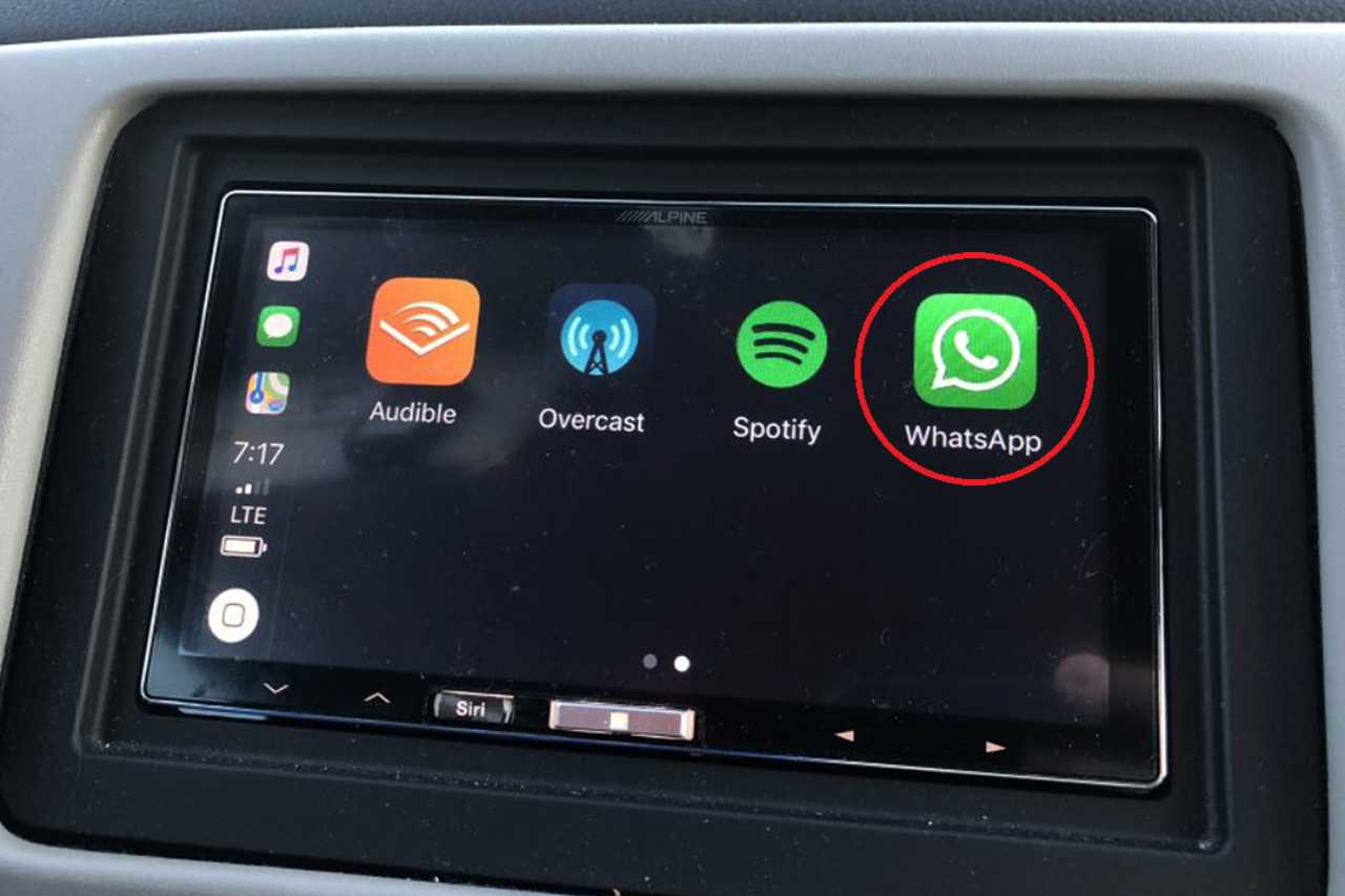 WhatsApp auto