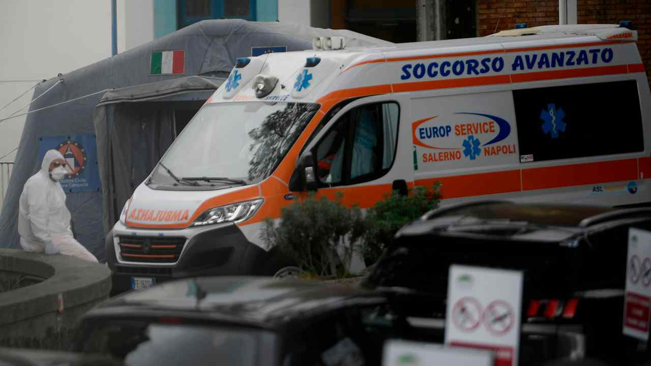 Salerno 14enne sparato