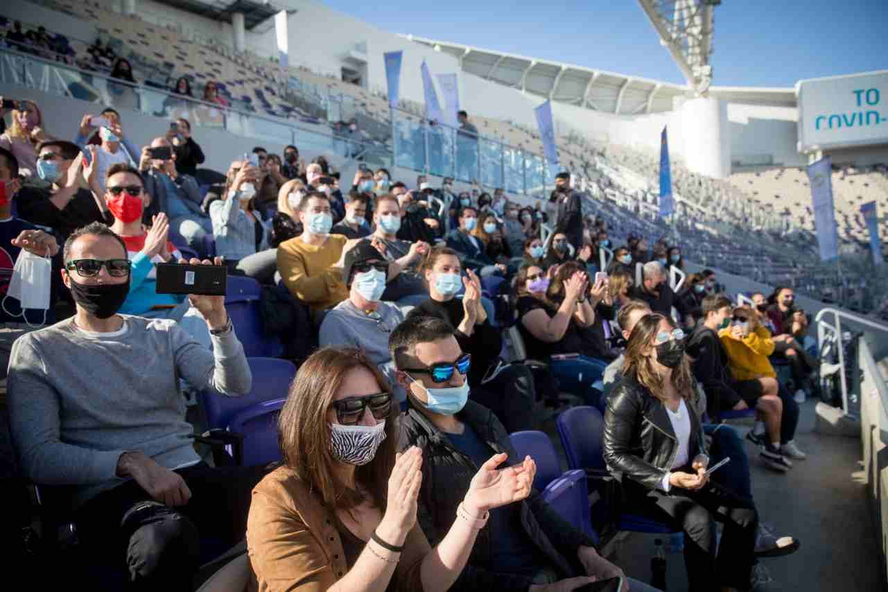 Israele riaprono stadi