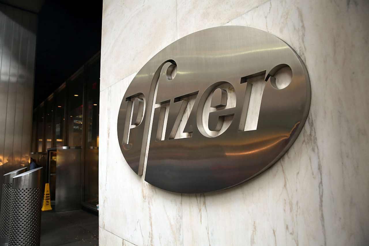 Pfizer contratto