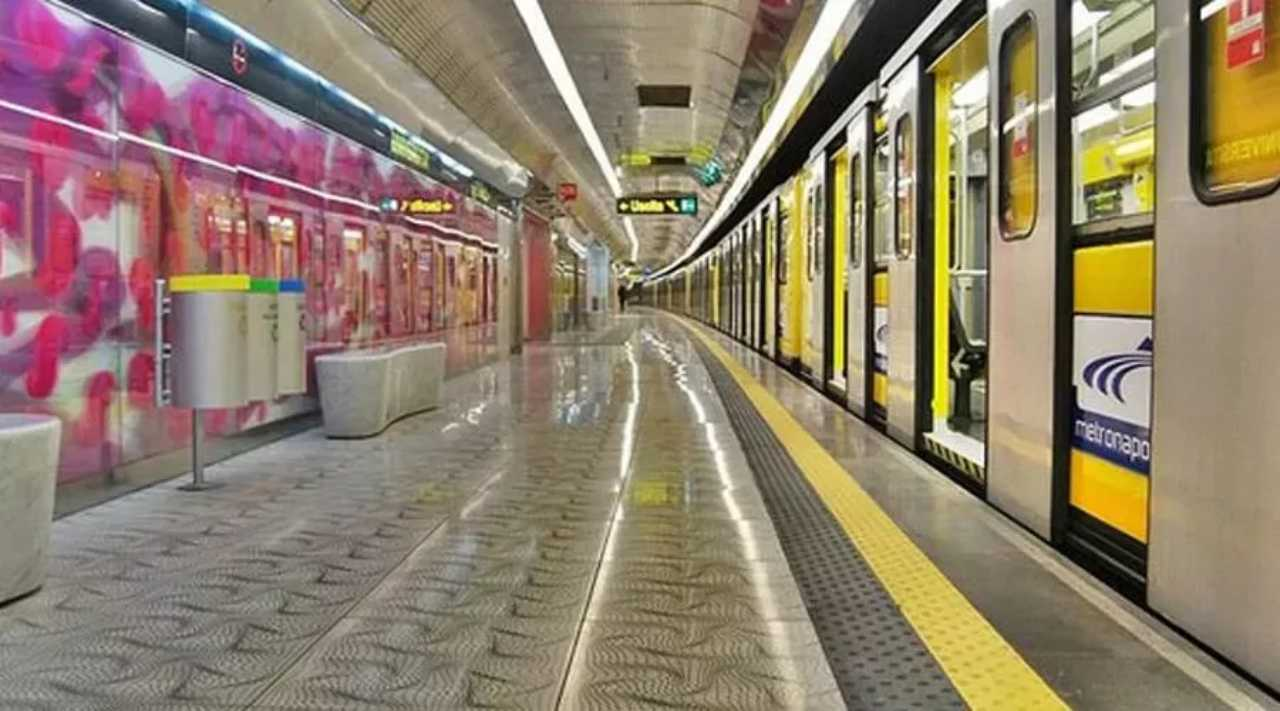 Napoli metro
