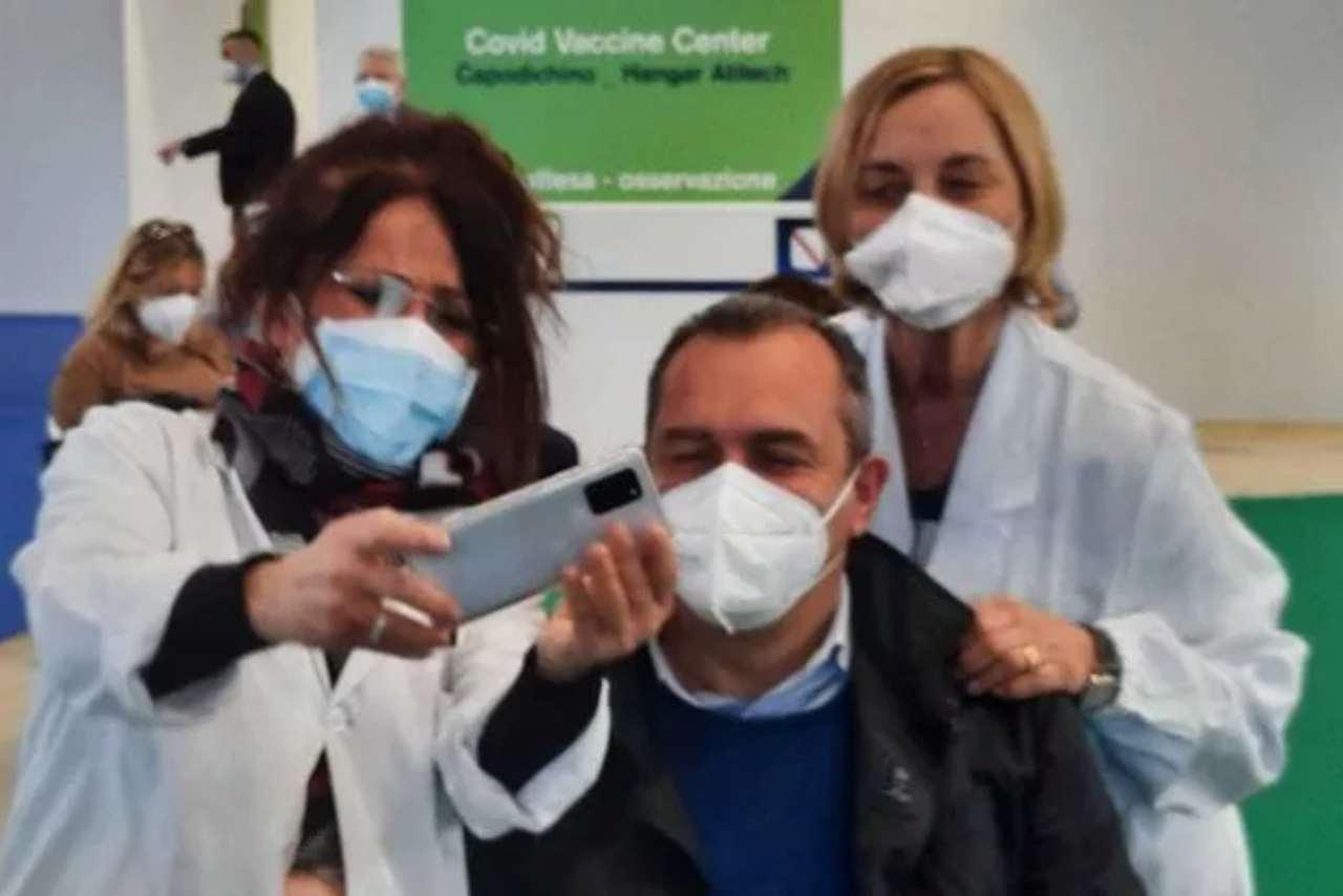 Napoli de magistris vaccina