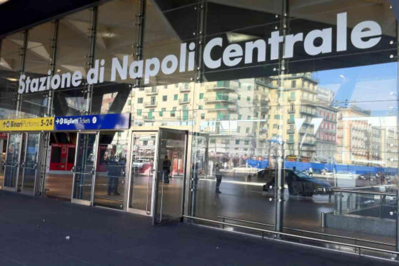 Napoli rapine Stazione Centrale
