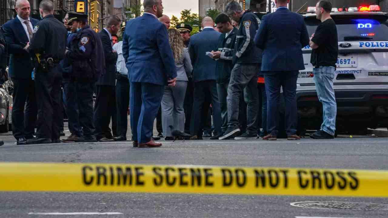 New York, sparatoria a Times Square: tre feriti, ricoverata bimba di 4 anni