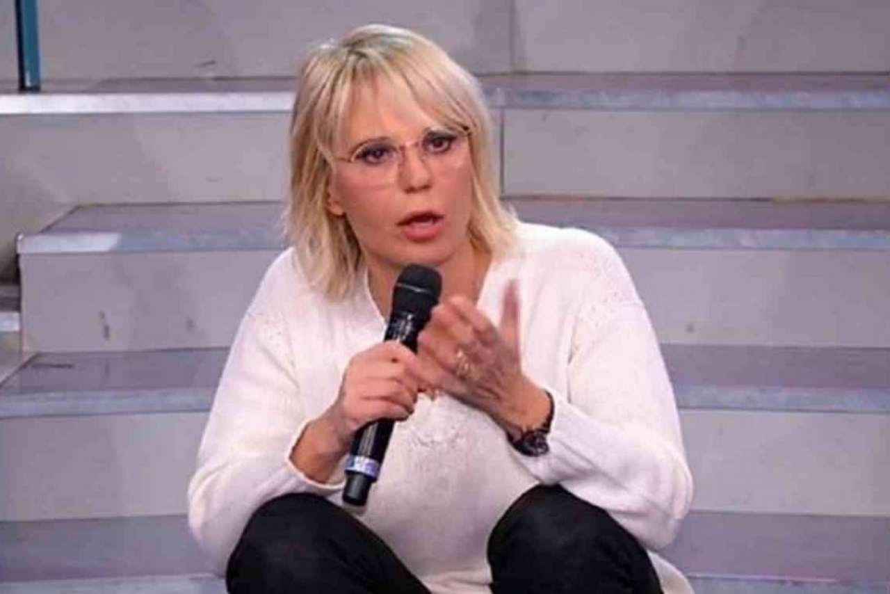 """Maria De Filippi attaccata da una collega: """"Si fa i fatti della gente"""""""